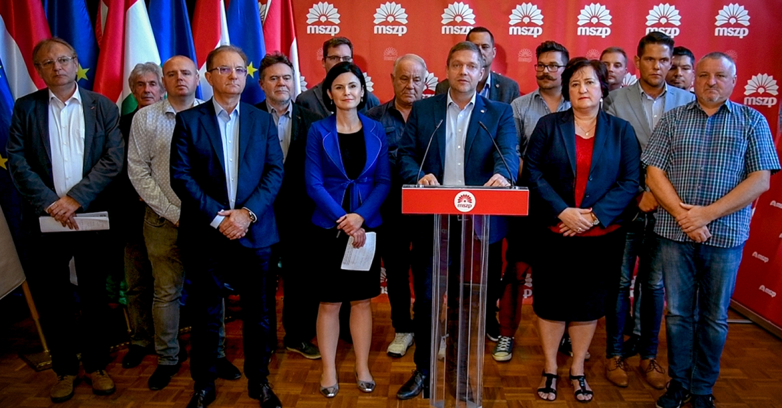 Hungarian Socialist Party Adopts New Statutes
